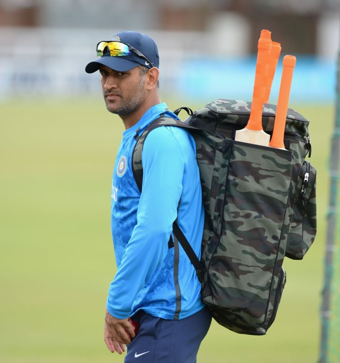 """If Dhoni loses this Test series, there will be serious questions"""