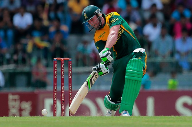 De Villiers is unlikely to keep if he plays in the first Test