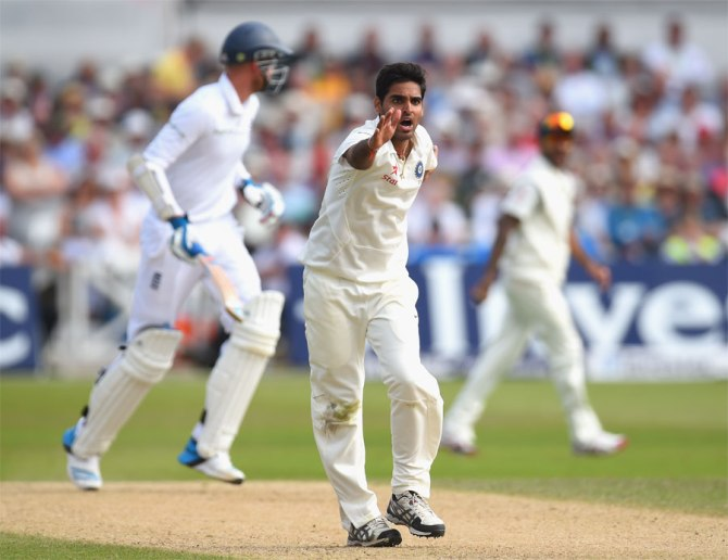 Kumar dismissed Prior, Stokes, Broad and Plunkett