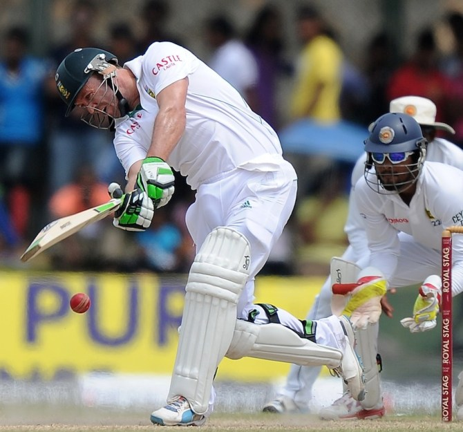 De Villiers struck six boundaries during his innings of 51