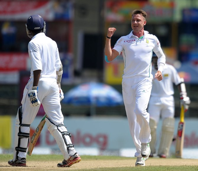 Steyn struck twice in two balls