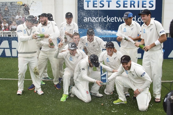 New Zealand celebrate after beating Sri Lanka 2-0