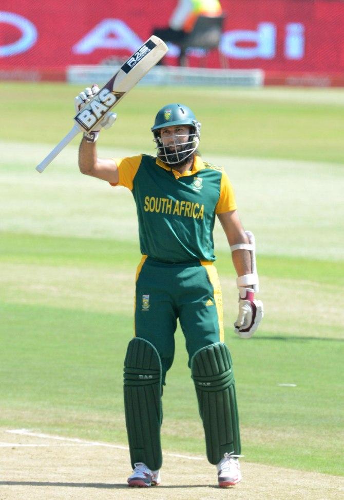 Amla became the fastest batsman to score 5,000 ODI runs