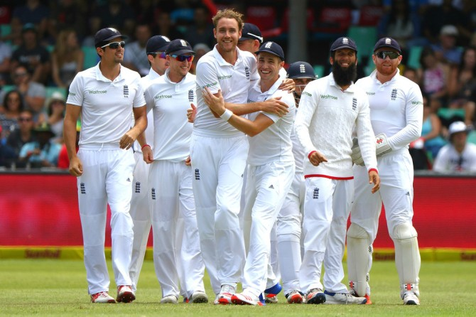 Broad dismissed Van Zyl, Amla and de Villiers