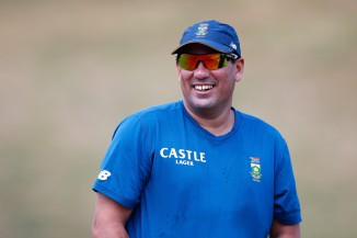 Domingo will stay on as South Africa's head coach until August 2017