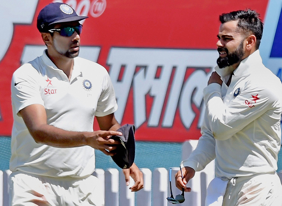 Virat Kohli not amused by Steve Smith incident
