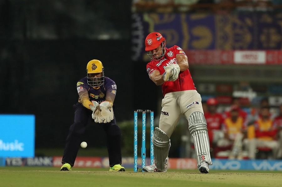 Knight Riders fall to Maxwell's Kings XI Punjab despite Lynn heroics