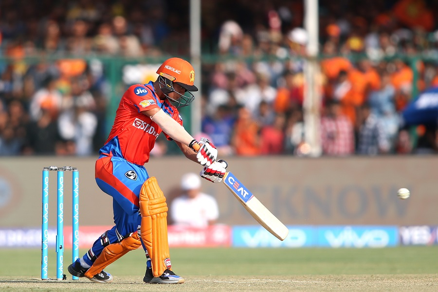 Sunrisers Hyderabad thrash Gujarat Lions by eight wickets, seal play-offs spot